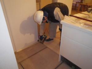 ④2階床フローリング貼り状況